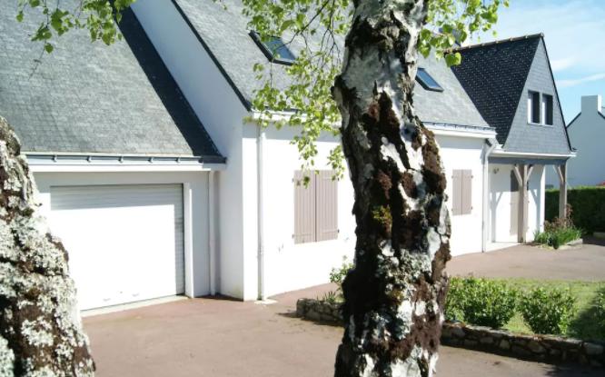GUERANDE proche LA BAULE  A vendre maison 6 chambres  beaux volumes